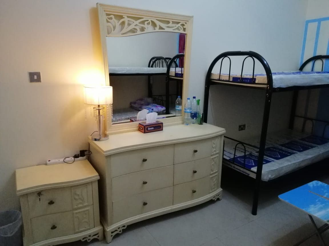 Rooms in @2800 for Bachelors in Bur Dubai, C/Ac, Privacy, Inclusive All