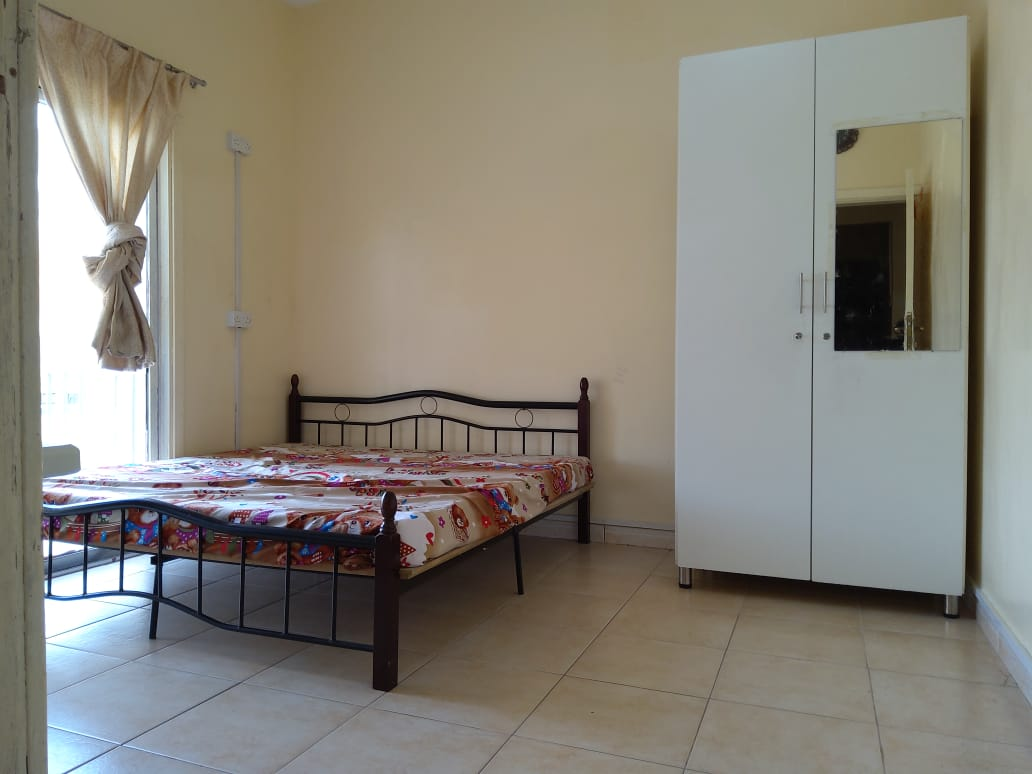 Available Room/ Ladies Bed Space