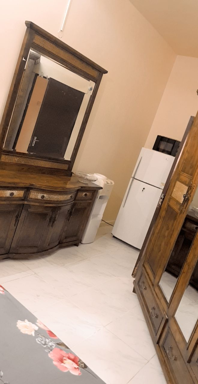 Family room for rent for Muslim Executive working couples
