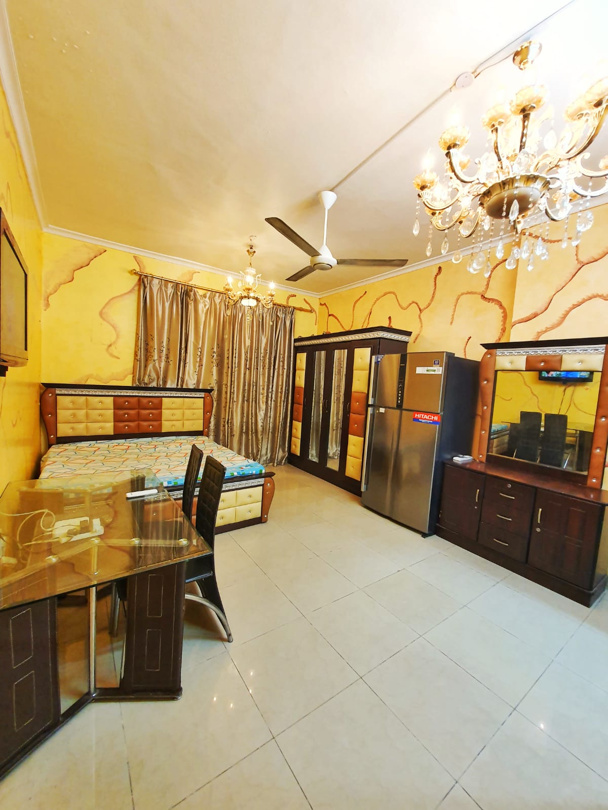 Fully Furnished Luxury room for family/couples,South Indians